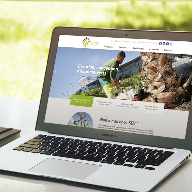 Defacto agence de communication à Narbonne a fait la refonte du site et des réseaux sociaux du site SEV - Version portable